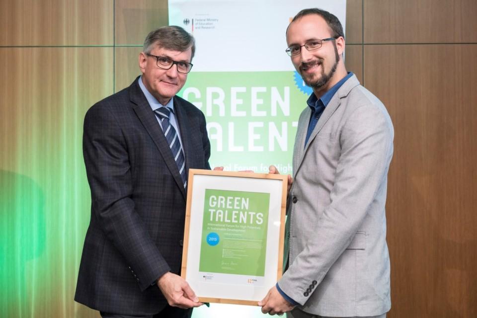 Sergi Green